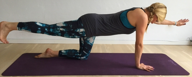 yogaøvelse jagthunden