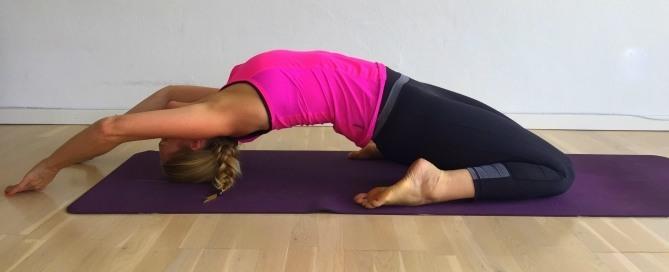 sofastillingen, yogastræk