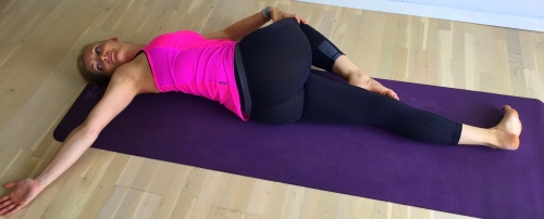 universalstrækket, yoga
